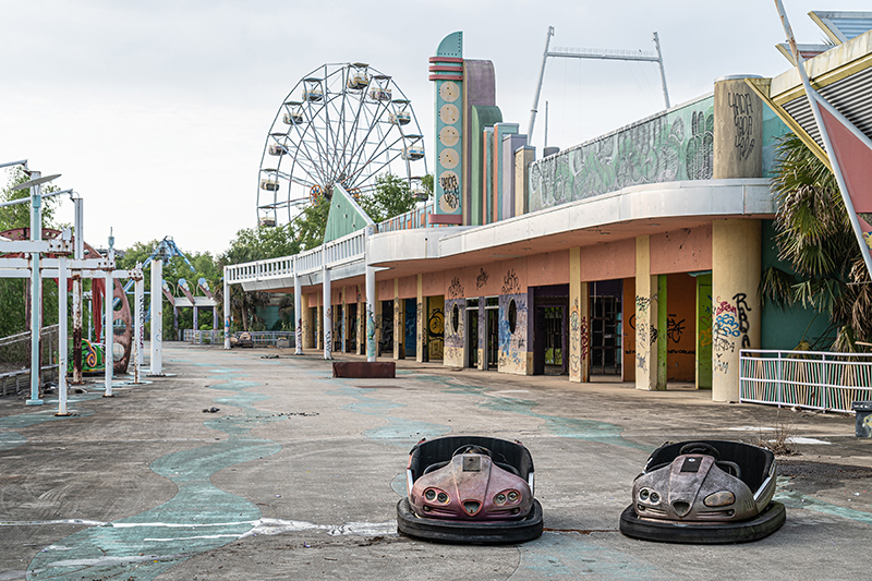 abandoned six flags new orleans theme park